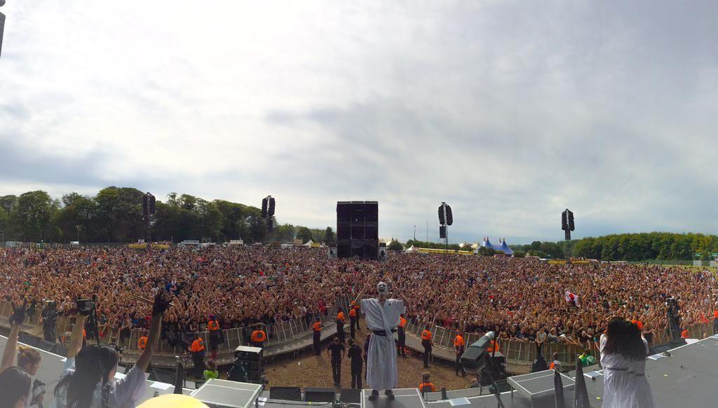 Amazing view! @BABYMETAL_JAPAN, @OfficialRandL  KAMIBAND #BABYMETAL #ReadingFestival #LeedsFestival
