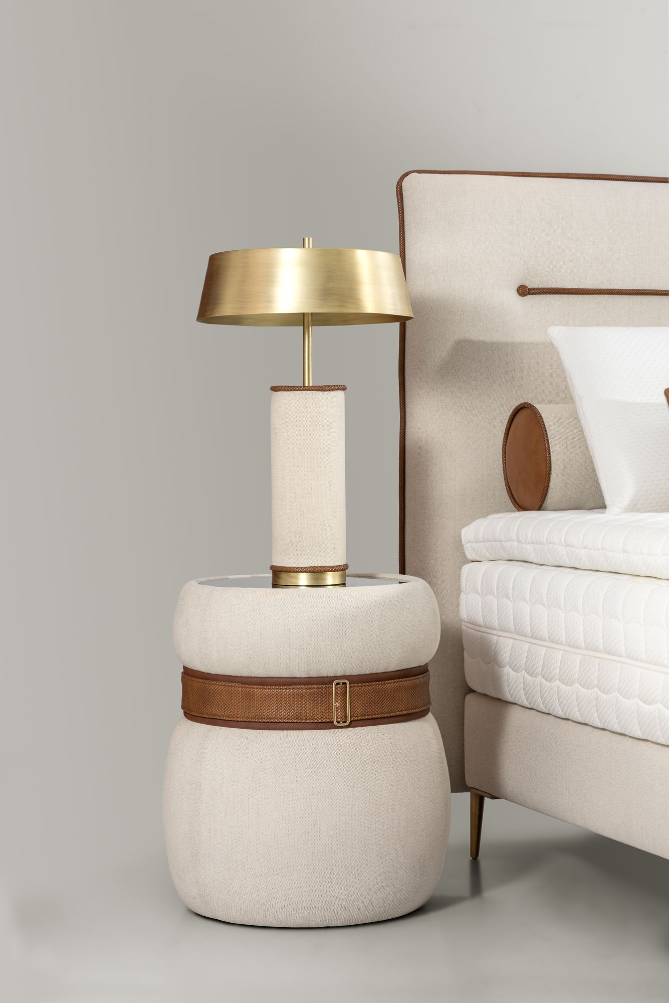 Azur Side Table And Lamp By Colunex