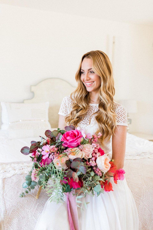 Spanische Lebensfreude Und Kraftige Hochzeitsfarben Fotografie Andreas Nusch Weddingphotography Hochzeitsfarben Hochzeit Blumenmadchen Kleid