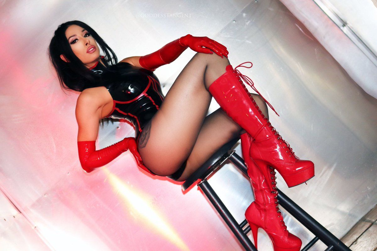 Holly Halston Latex within mistress tangent | yes! | pinterest | body curves, latex and curves