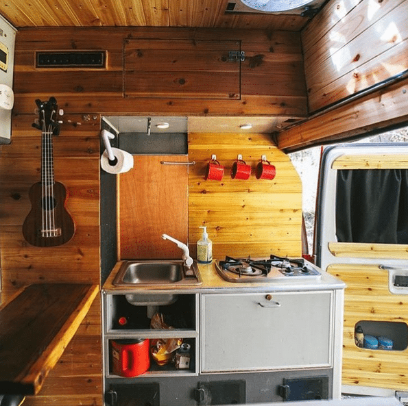 10 Camper Van Kitchens with the Cozy Amenities of Home | Camping ...