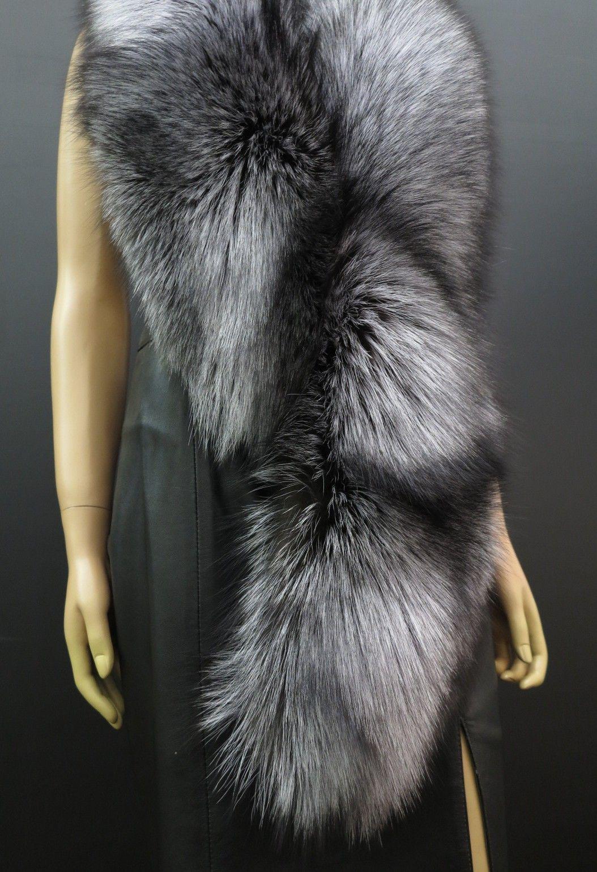 8158d805f79 Kožešinová štola ze stříbrné lišky - luxusní výrobek z pravé kožešiny.  Česká ruční výroba.  spongr  kuzedeluxe  kozesiny  pravakozesina