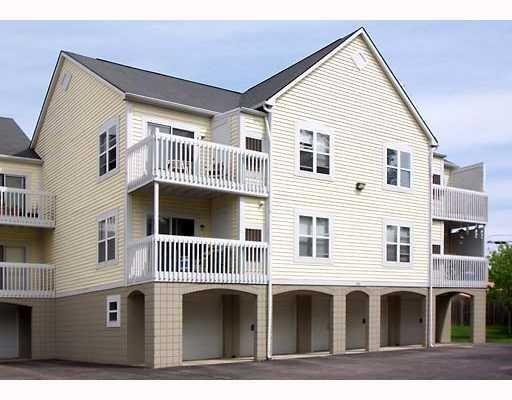 Arlington Place condos offer great, convenient Ann Arbor living!