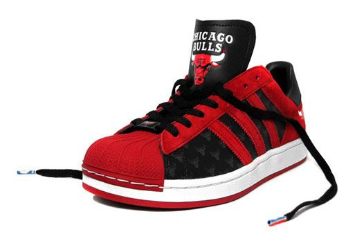 Bulls'Sneakers Adidas Adidas Superstar 1 'chicago Bulls'Sneakers 1 Superstar 'chicago sQdthr