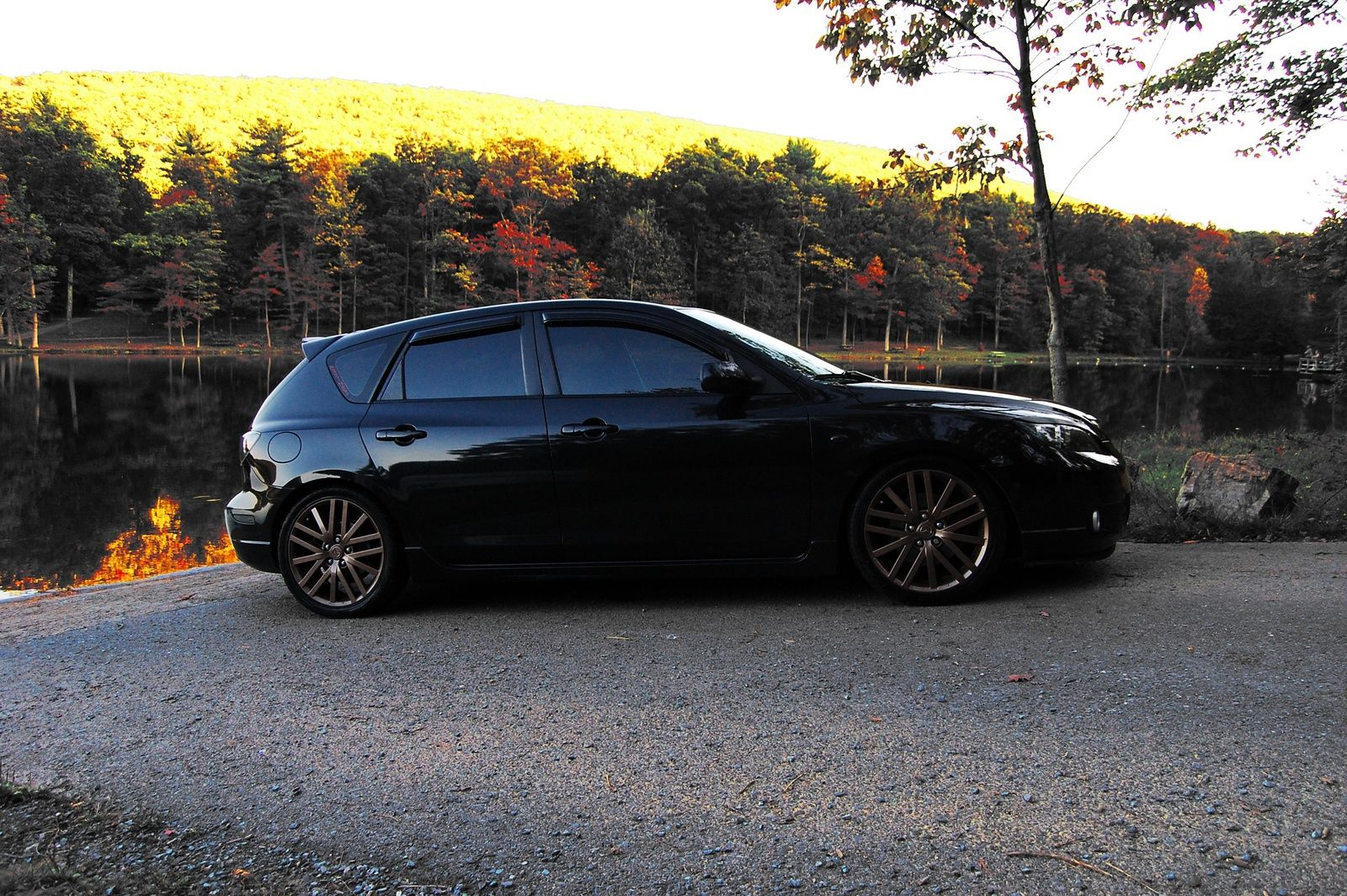 2005 mazda mazda3 s hatchback picture exterior carzzz. Black Bedroom Furniture Sets. Home Design Ideas