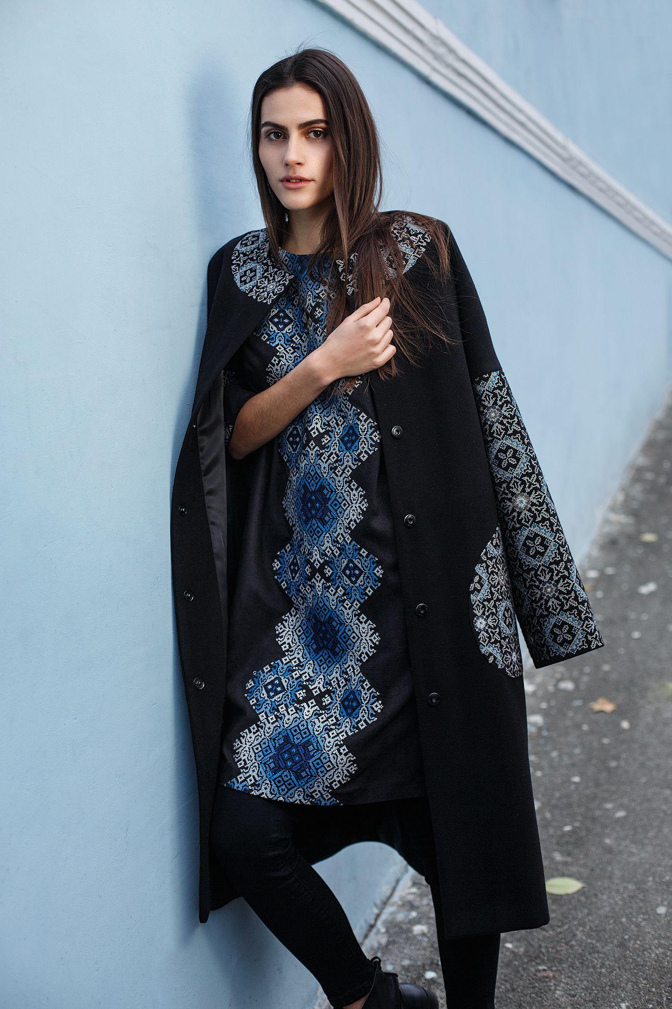 3ad8bf1d0d76c3 Пальто HRW-CT06 - унікальний вишитий одяг від студії