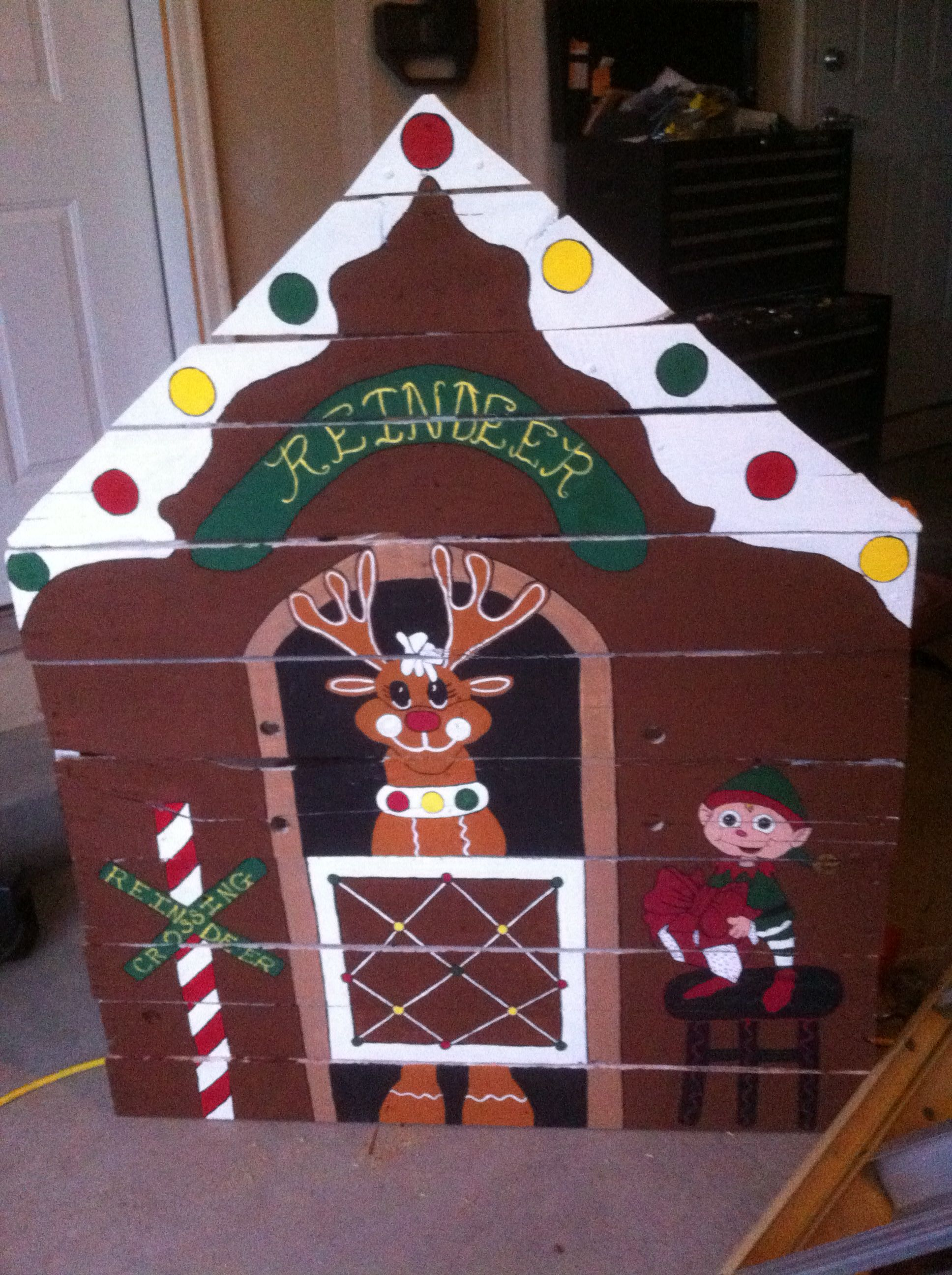 Gingerbread Reindeer Stables With Elf Hand Painted On A Pallet Christmas Pall Christmas Yard Decorations Christmas Yard Art Christmas Decorations Diy Outdoor