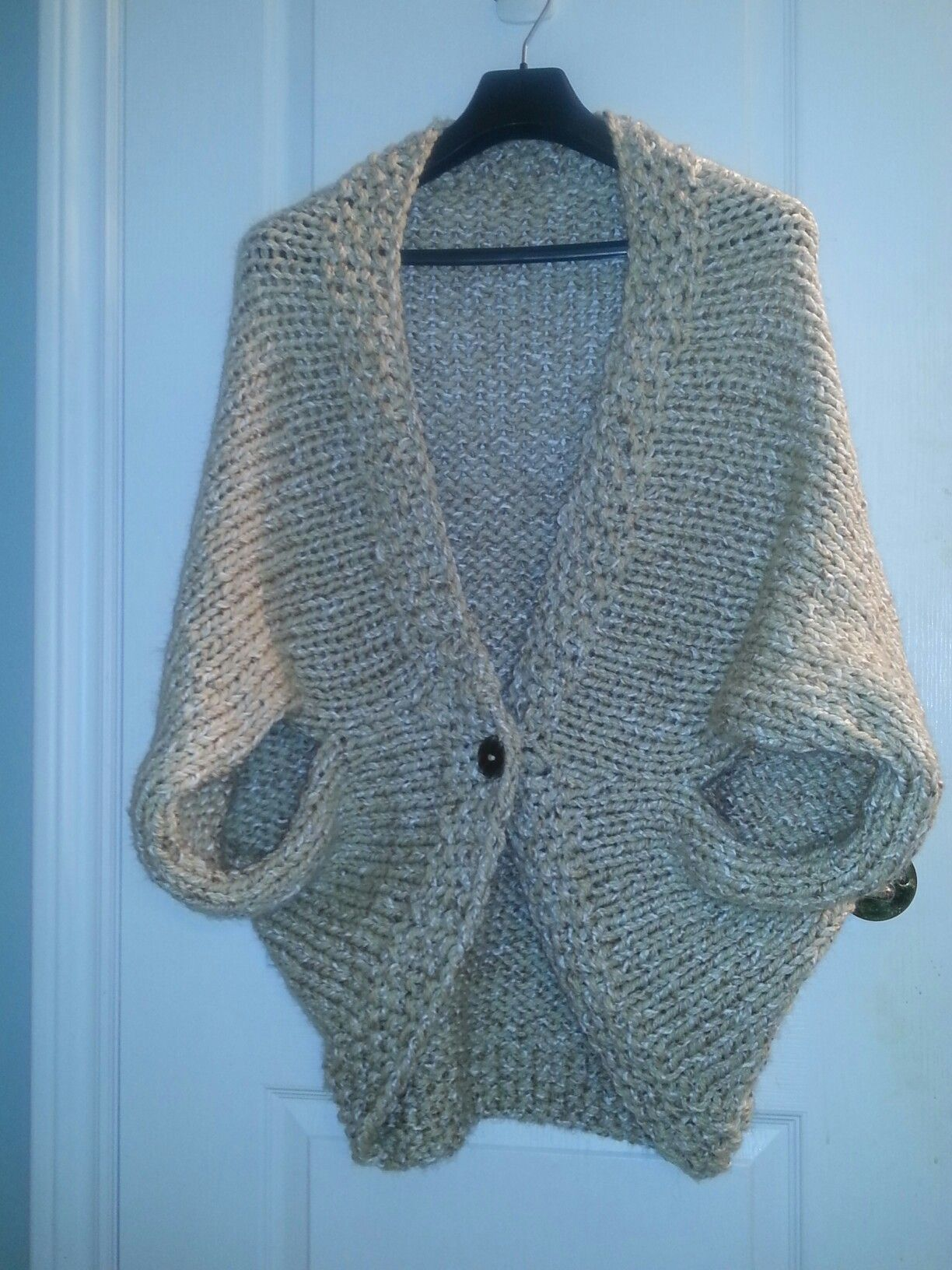 Easy Knit Blanket How To : Knit blanket shrug I made. Pattern can be found at: http://www.mamainastitch....