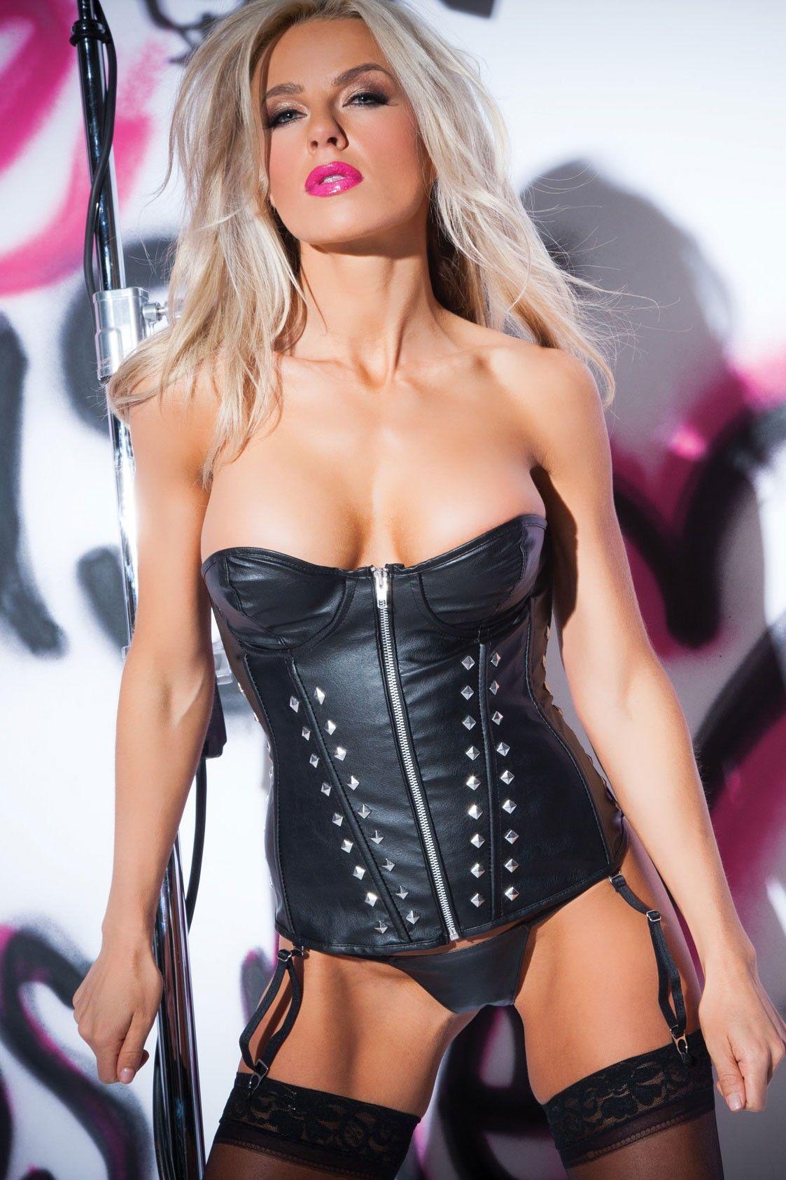 Yurizan beltran in sexy black leather lingerie