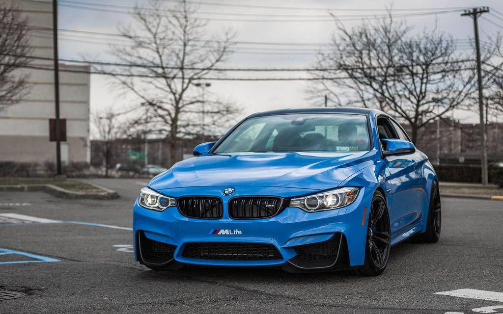 Yas Marina Blue BMW M4
