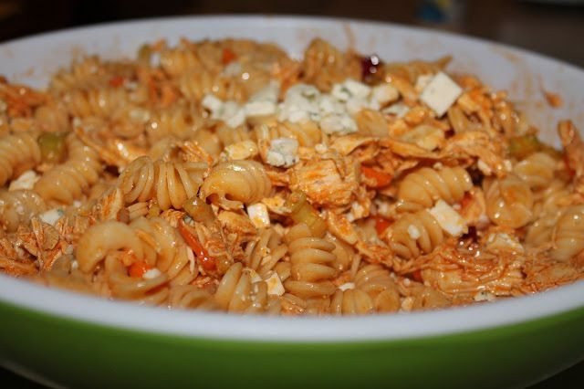 Buffalo Chicken Pasta Salad | Everything's Better With a Little Parsley #buffalochickenpastasalad