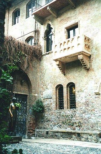 Juliets Balcony Verona Italy I Am Totally Obessed With Romeo