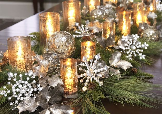 Decorated Mantles Christmas Table Settings Gold Christmas Decorations Christmas Table Decorations