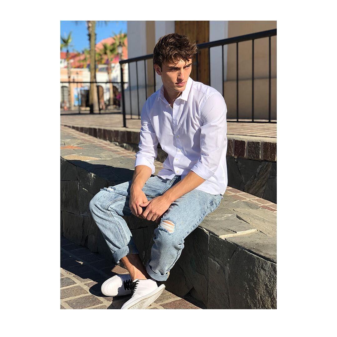 Ropa juvenil de moda para adolescentes hombres