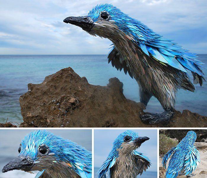 Потрясающие скульптуры животных из компакт-дисков http://kleinburd.ru/news/potryasayushhie-skulptury-zhivotnyx-iz-kompakt-diskov/  Талантливый художник Шон Эвери (Sean Avery), уроженец Южной Африки, в настоящее время живущий в Австралии, превращает старые компакт-диски в великолепные скульптуры животных. Приклеивая осколки компакт-дисков на проволочные основы, сделанные в форме различных животных, он создаёт потрясающие скульптуры. 1. 2. 3. 4. 5. 6. 7. 8. 9. 10. 11. 12. 13. 14. 15. 16. 17…