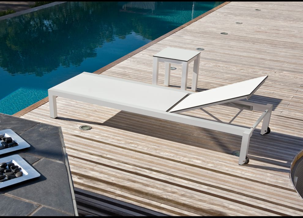 una sun lounger sun loungers contemporary garden furniture - Garden Furniture Loungers