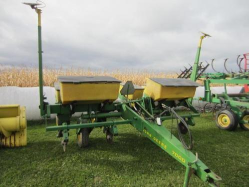John Deere 7000 4 Row Corn Planter Online Only Auction Ending