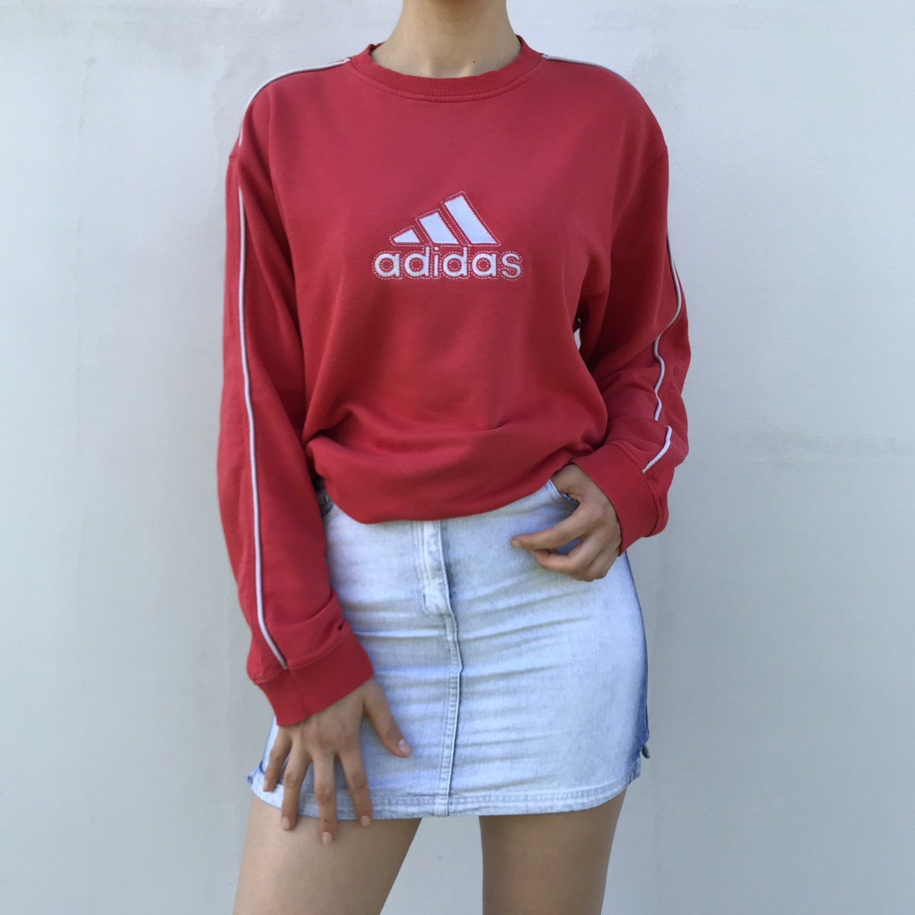 UNISEX VINTAGE ADIDAS SWEATSHIRT 3 STRIPES Size 4042 is