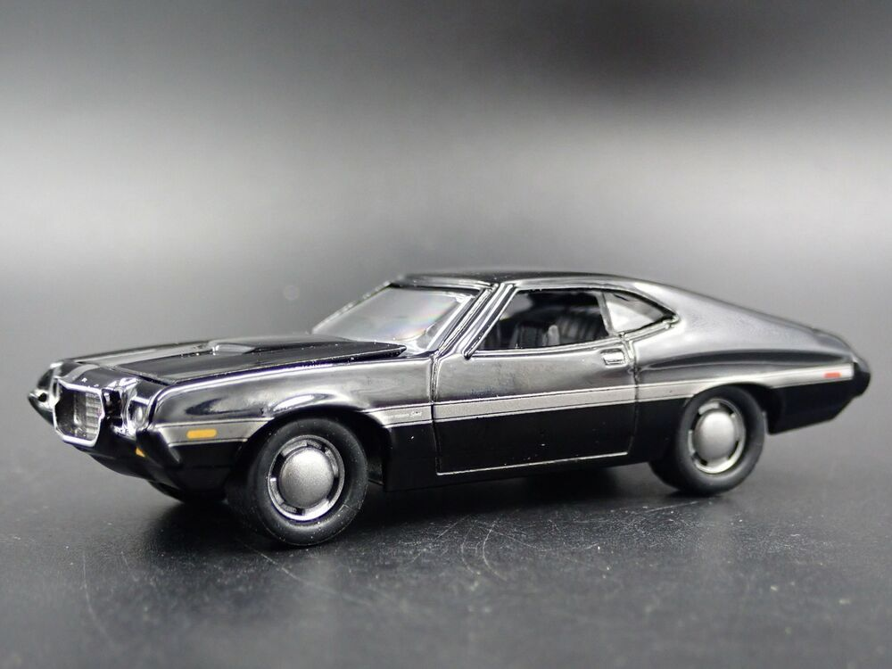 BLACKED OUT FORD GRAN TORINO,CHEVY NOMAD J.LIGHTNING 1:64