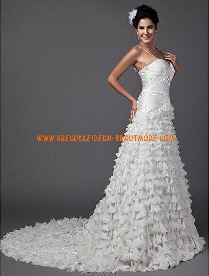 Romantische Luxuriöse Brautmode aus Satin und Softnetz Herzausschnitt