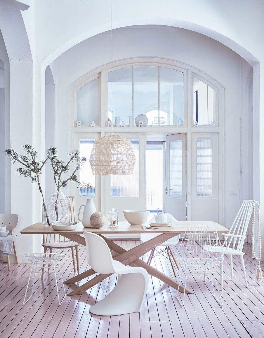 WITTE EETKAMER • wit, basic en luchtig. Met de juiste materialen ...