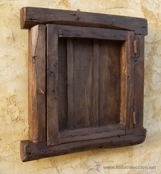 Antig edades ventana castellana de madera antigua con for Puertas coloniales antiguas