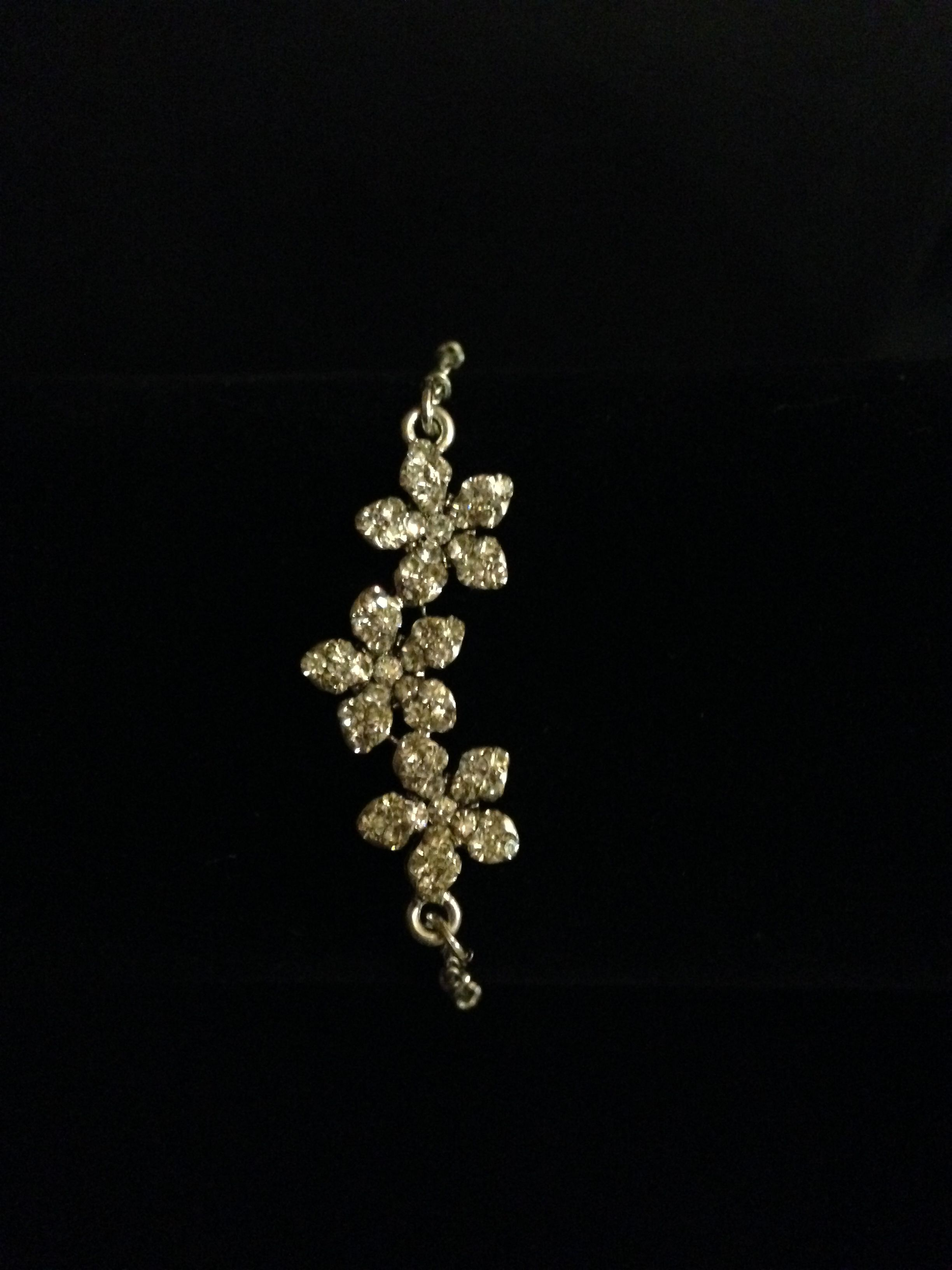 Dainty 3-flower bracelet (with matching necklace)