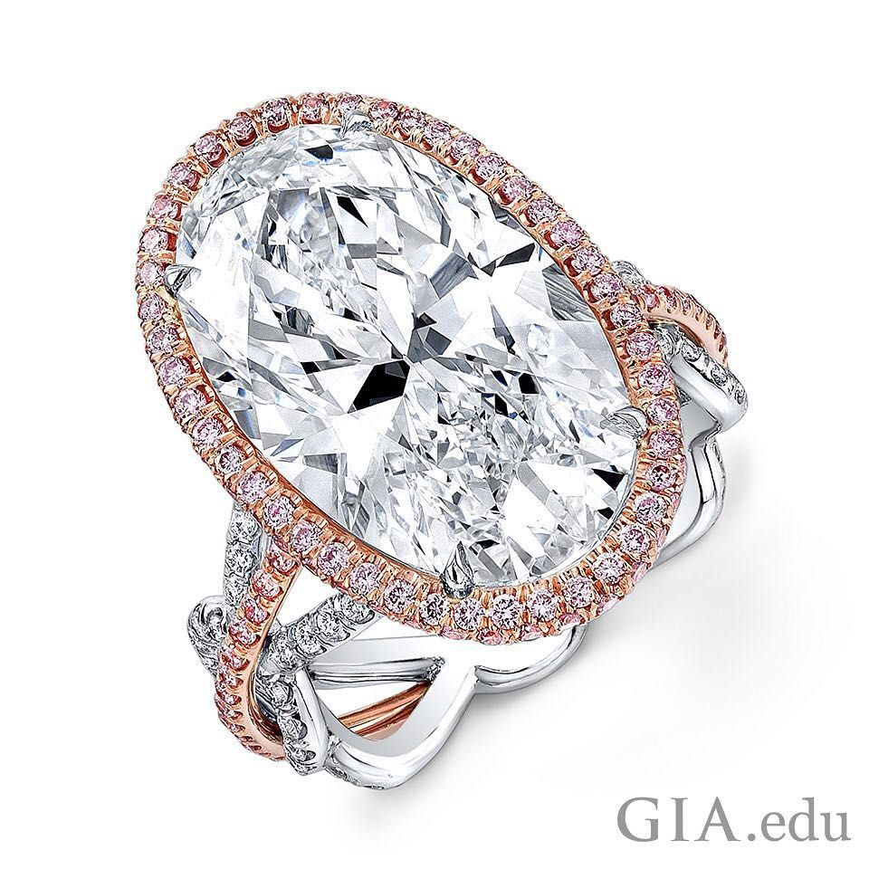 An oval #diamond can have fire that rivals a round brilliant. It can also make your finger look longer. Would you wear this shape in an #engagementring? Courtesy: @rahaminovdiamonds