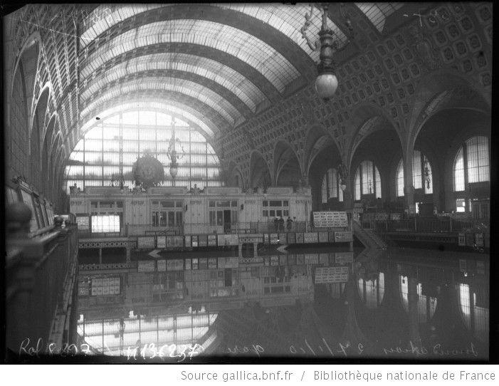 inondation 27 1 1910 gare d 39 orsay int rieur paris 7e arrondissement photographie de. Black Bedroom Furniture Sets. Home Design Ideas