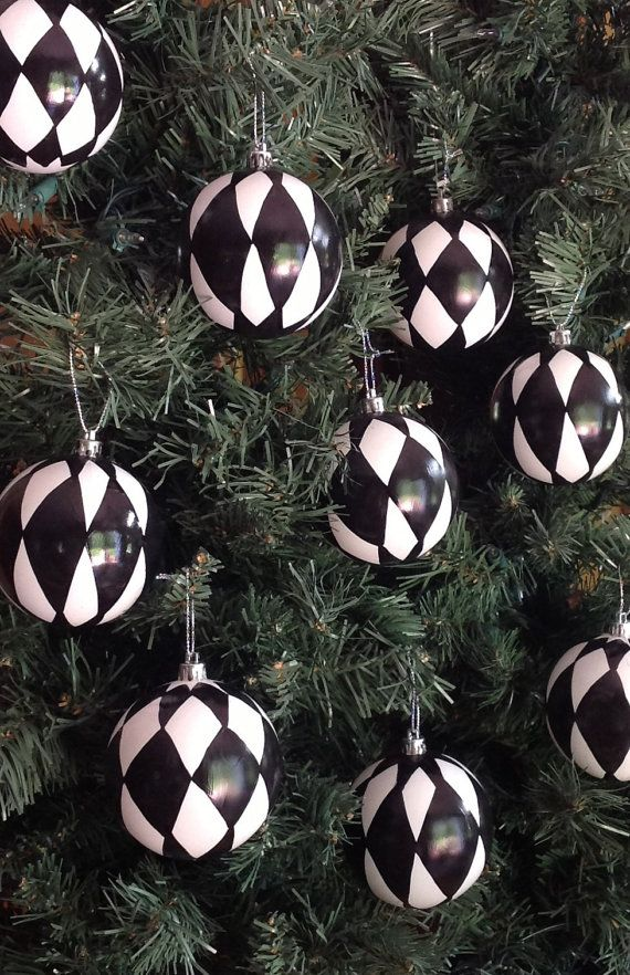 Harlequin Arguments Hand Painted Ornaments White Christmas Trees Black Christmas Decorations