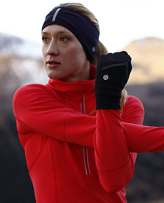 Brisk Run Mittens | Two thumbs up to touchscreen friendly mittens.