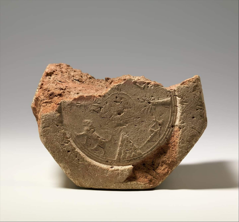 Cuneiform Prism Babylon Iraq موشور مسماري يصف ترميم بابل بواسطة الملك الاشوري آسرحدون مختوم ا بنقوش آشوري Mesopotamia Hieroglyphics Metropolitan Museum Of Art
