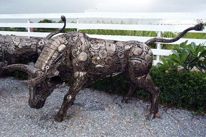 Bull Sculpture Scrap Metal Animal Art Life Size Scrapmetalart - Salvaged scrap metal transformed to create graceful kinetic steampunk sculptures