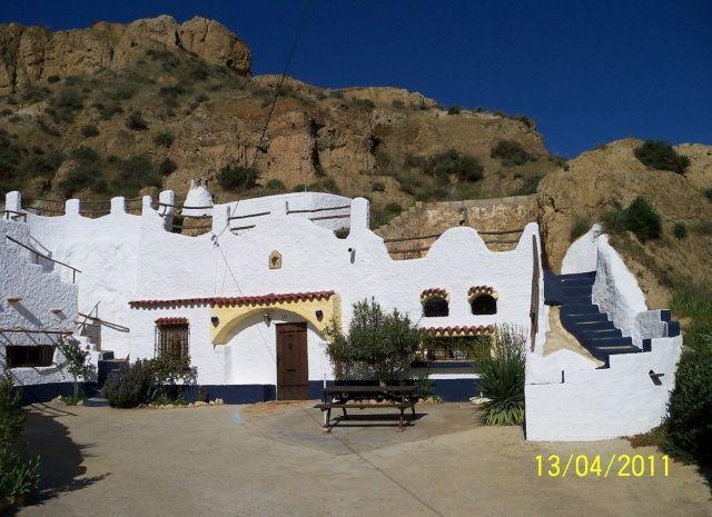 Maison troglodyte en andalousie près de grenade espagne maison 5 personnes maison troglodyte typique avec vue dégagée sur collines argileuses