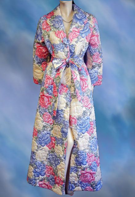 used hostess robe gown vintage women/'s|floral quilted dressing gown|white|blue|periwinkle|extra long|dressing gown robe|house coat|winter