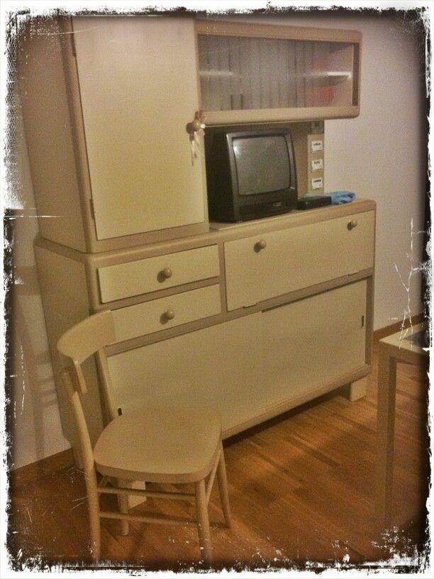 credenza e sedia vintage restaurate