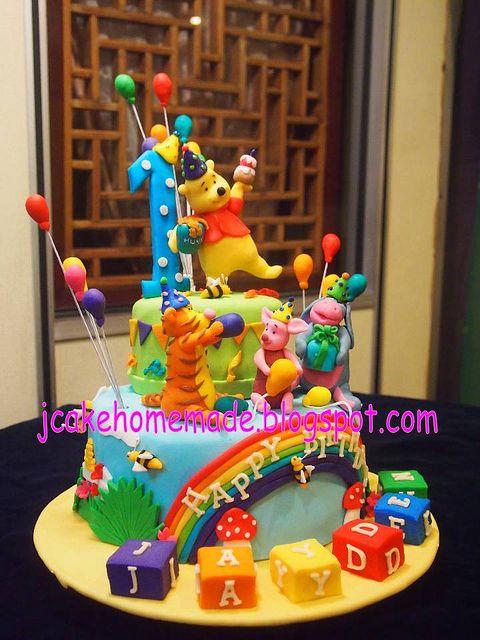 winnie the pooh birthday cake too cute pinterest torten fondant und geburtstagstorte. Black Bedroom Furniture Sets. Home Design Ideas