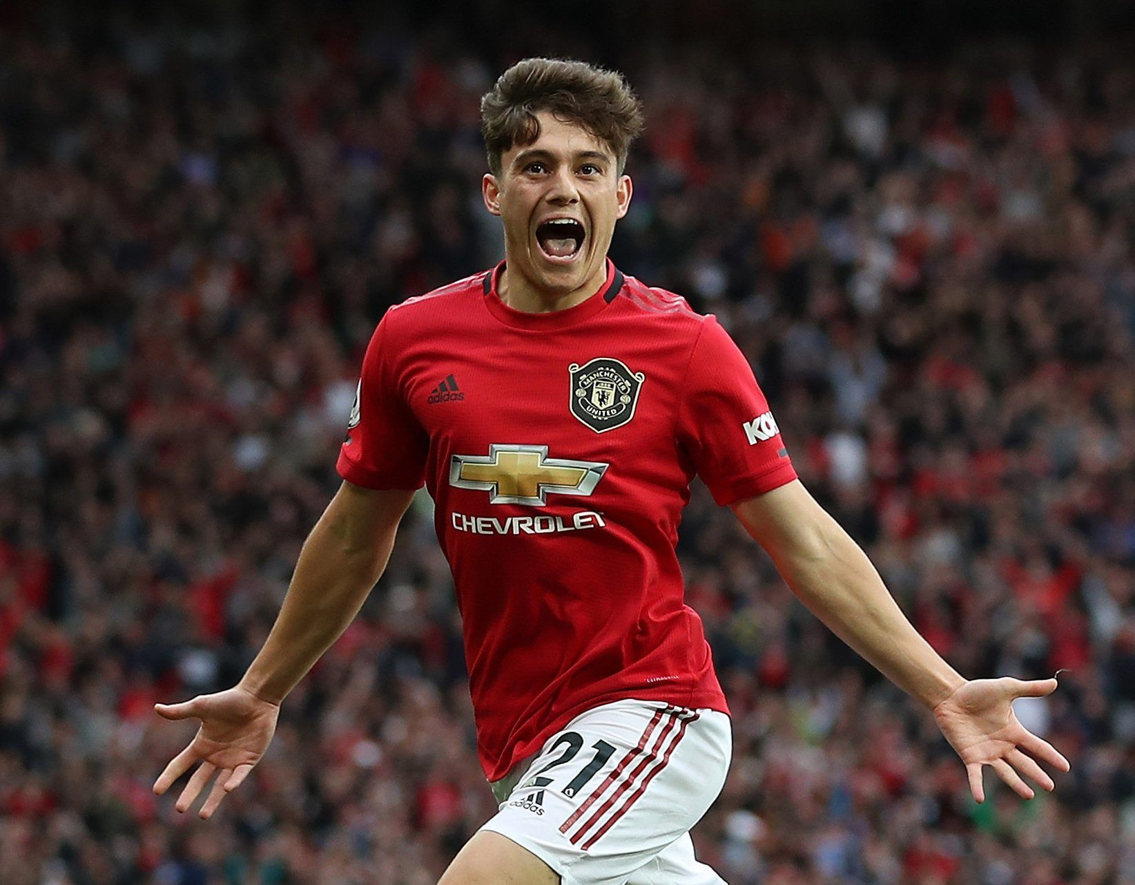 Daniel James To Be Handed Man Utd Wage Increase To 50000 A Week After Impressive Debut Season Football Soccer Sports Futbol In 2020 Premier League Debut One Team