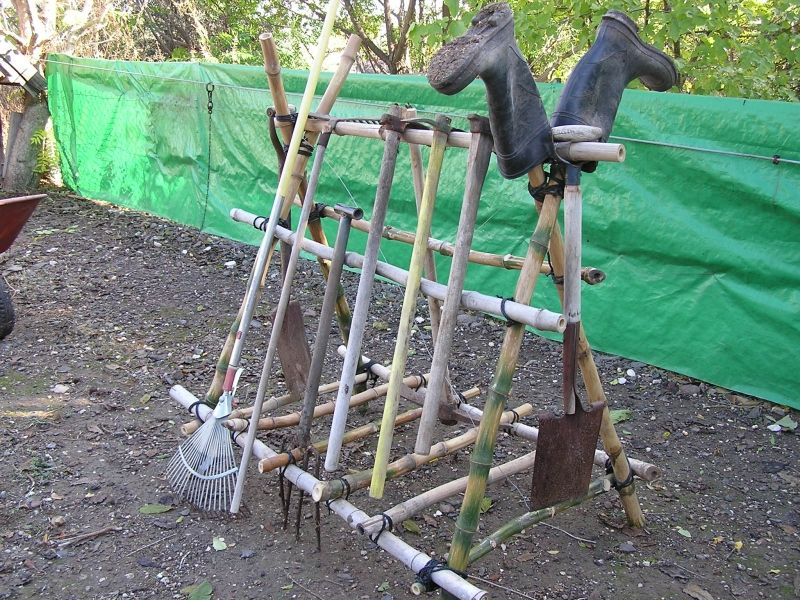 DYI garden tools stand