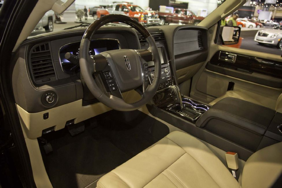Exceptional 2015 Lincoln Navigator Interior 02 Awesome Design