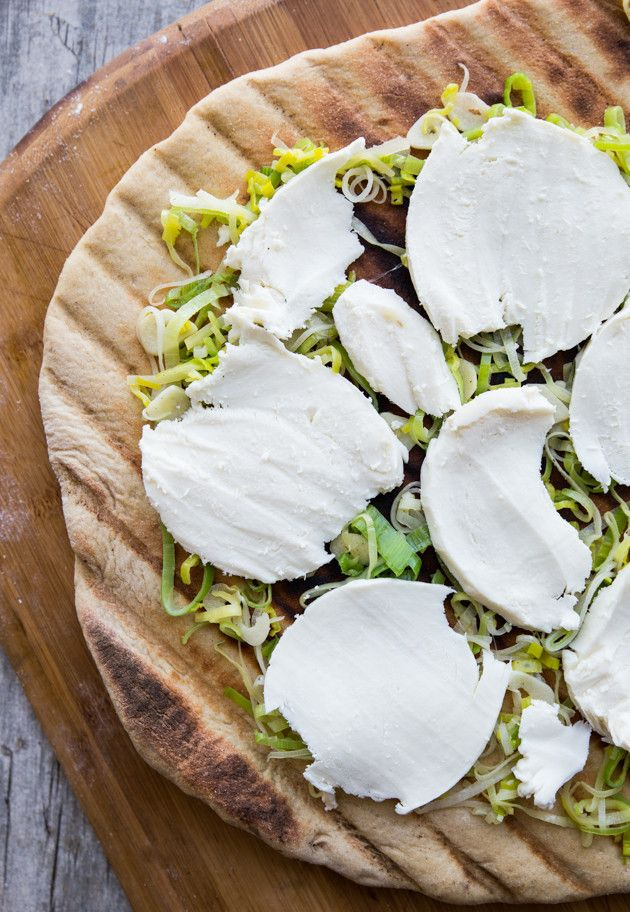 ASPARAGUS RIBBON, LEEK & GARLIC GRILLED PIZZA [veggieandthebeastfeast]