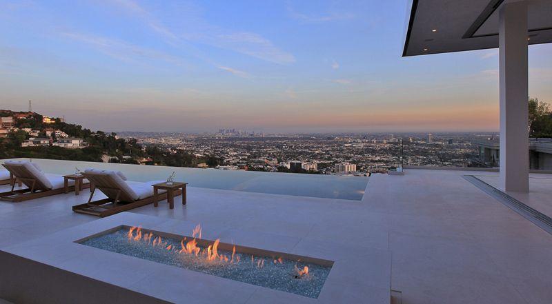 Infinity Pool Villa By Mcclean Design Los Angeles Hollywood