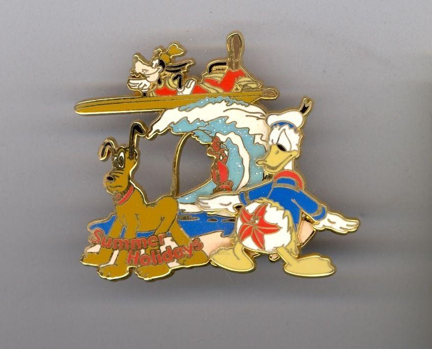 Disney Japan Summer Vintage Pluto Goofy Donald Duck Starfish at Beach Pin HTF