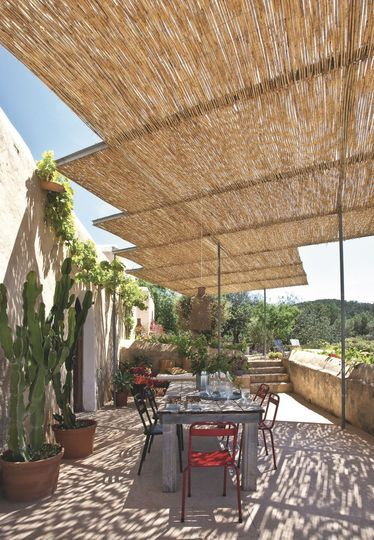 pergolas canisses brise soleil pour la terrasse canisse la terrasse et terrasses. Black Bedroom Furniture Sets. Home Design Ideas