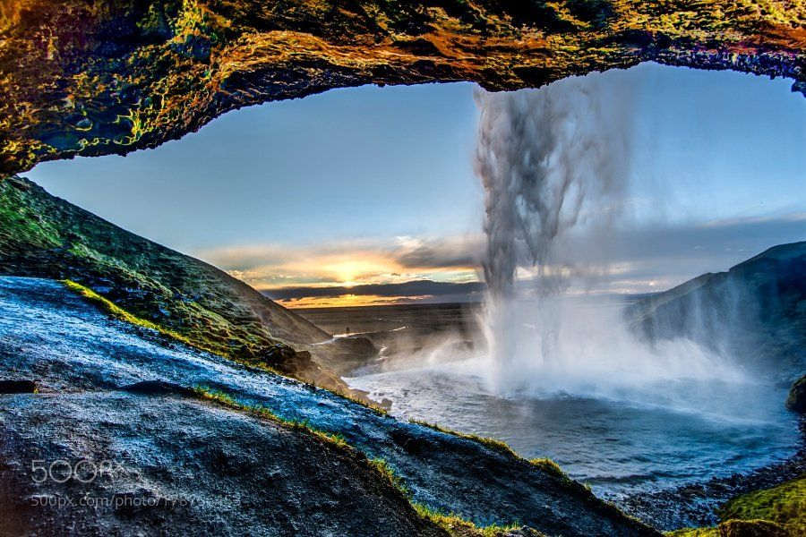 #photography How it all started: Couple at Seljalandsfoss by GEMCAM https://t.co/r6vp4ETg2I #followme #photography