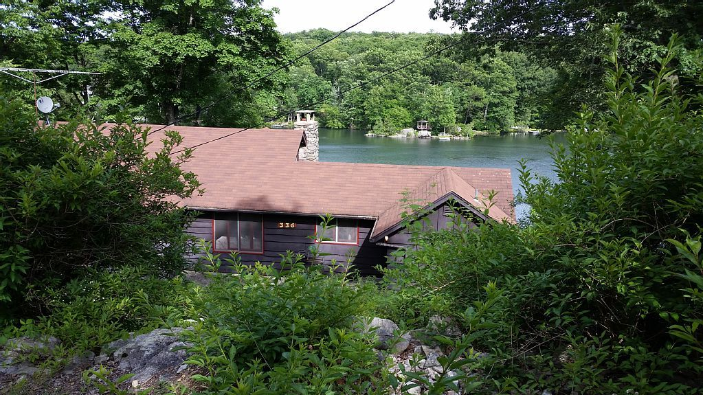 Beautiful lakefront mountain home 3 br2ba on vrbo