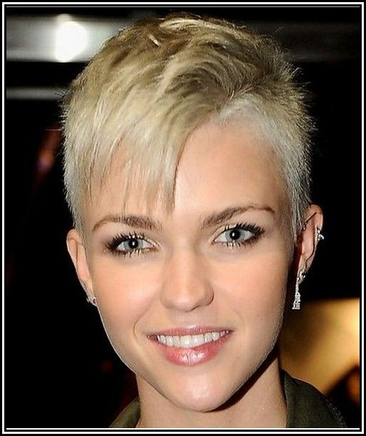 Womens Short Shaved Sides Hairstyles Hair Pinterest Shaved