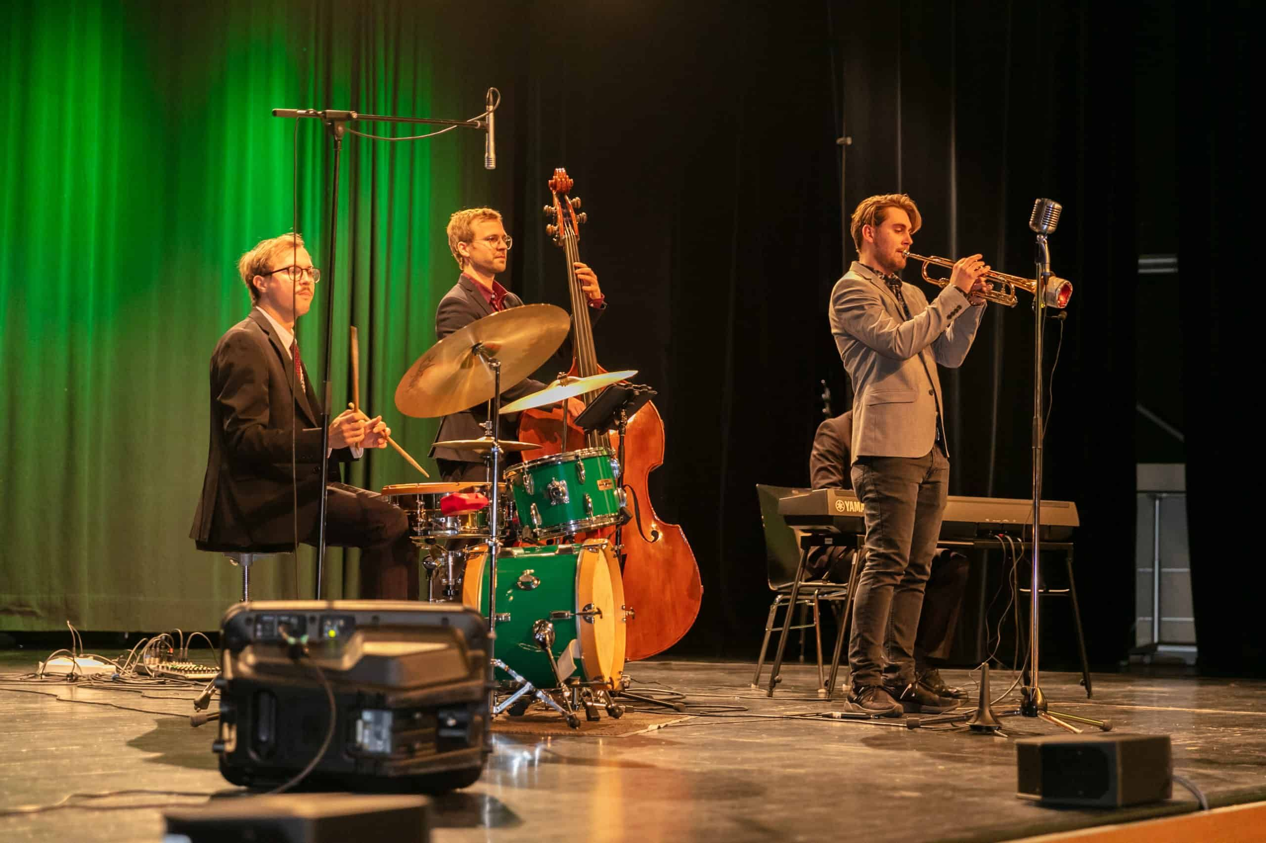 Live Band Fur Firmenfeiern Events In At Jazz Band Aus Der Steiermark Live Band Jazz Livemusik