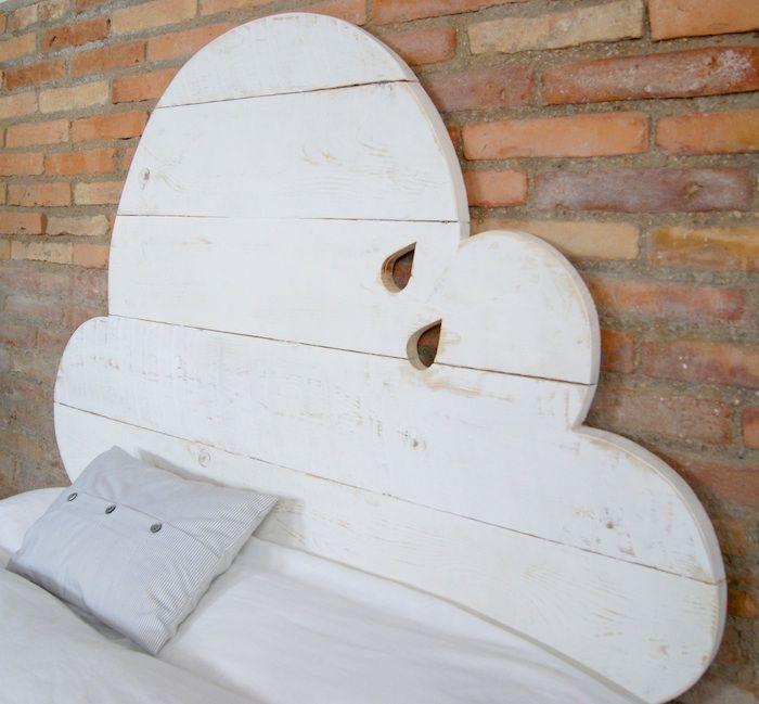 une t te de lit pour avoir la t te dans les nuages cr dit photo pinterest lafactoriaplastica. Black Bedroom Furniture Sets. Home Design Ideas