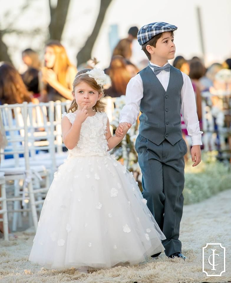 Pin by Jaqueline Oliveira on Flower Girl and Ring Bearer Inspiration ...